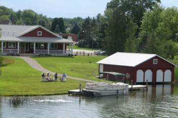 Boathouse Vineyards